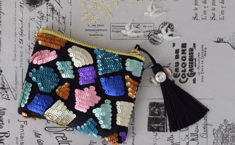 オートクチュール刺繍のスパンコールポーチ