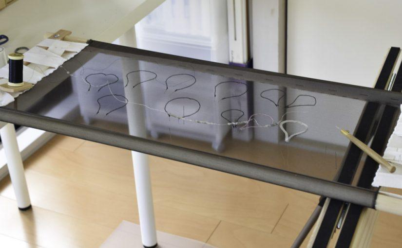 四角い刺繍枠の布テープの張り方