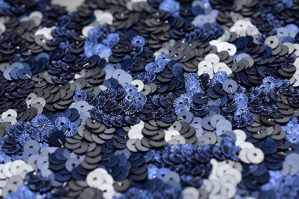 リュネビル刺繍のスパンコールでヴェルミセル