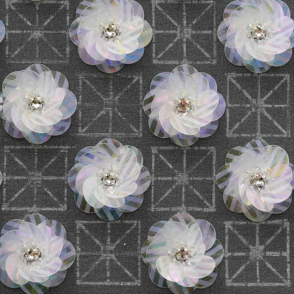 トップホールスパンコールの刺繍