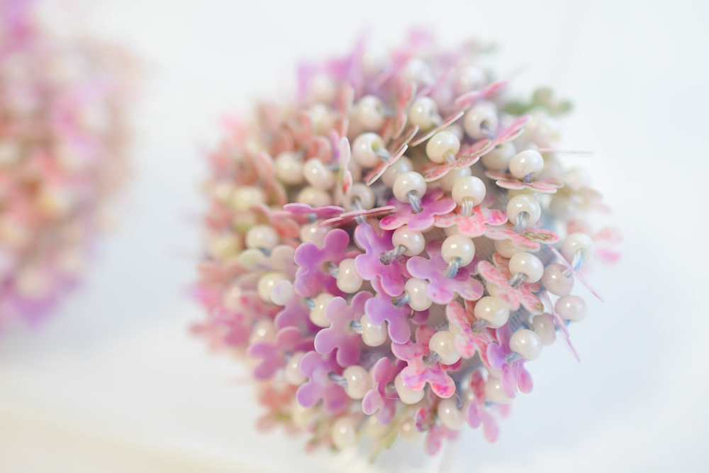 お花のスパンコールの刺繍