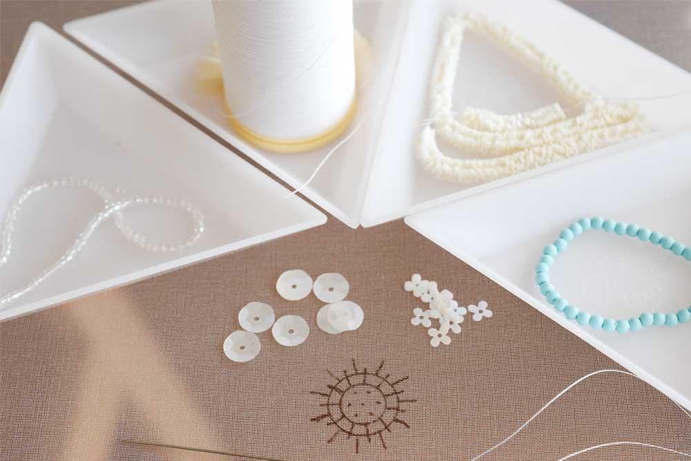 ビーズ刺繍材料