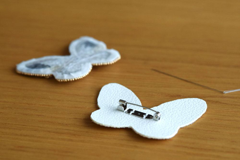 刺繍ブローチの仕立て方