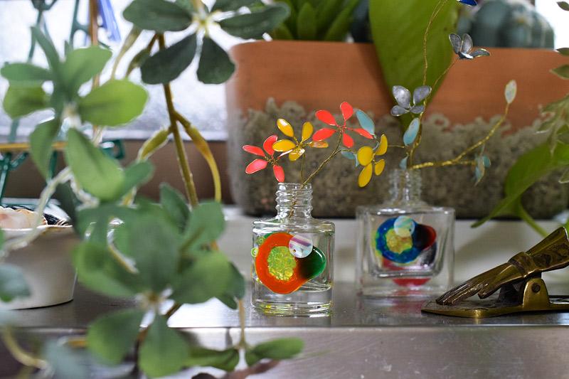 スパンコールとガラス絵の具
